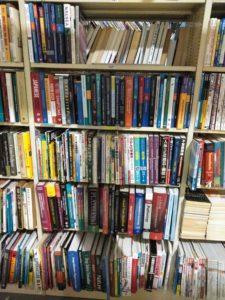 洋書を含む医学書約400冊買取させて頂きました。